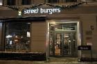 Travelnews.lv redakcija apciemo burgernīcu «Street Burgers» Blaumaņa ielā, Rīga 24
