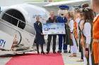 Starptautiskā lidosta «Rīga» sagaida 19.04.2017 pasažieri no Zviedrijas ar numuru 60 000 000 5