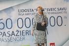 Starptautiskā lidosta «Rīga» sagaida 19.04.2017 pasažieri no Zviedrijas ar numuru 60 000 000 13