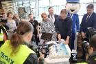 Starptautiskā lidosta «Rīga» sagaida 19.04.2017 pasažieri no Zviedrijas ar numuru 60 000 000 19