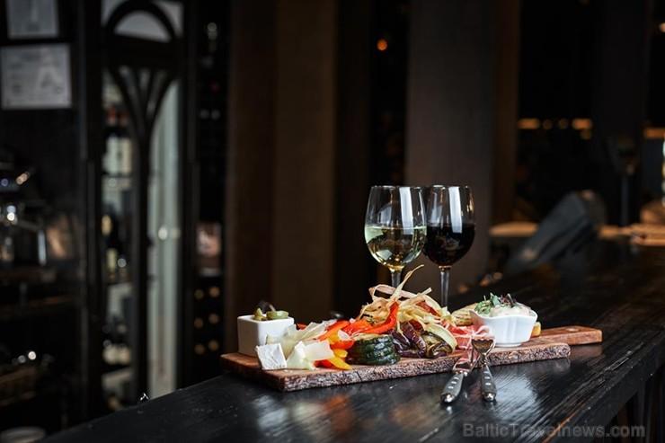 Rīgas restorāns «De Commerce Gastro Pub 1871»  piedāvā jaunu ēdienkarti