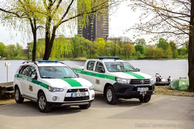 Rīgas pašvaldības policija atrāda gatavību 2017.gada peldsezonai