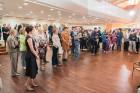 Liepājas koncertzālē «Lielais dzintars» atklāta latviešu gleznotājas Džemmas Skulmes personālizstāde «Krāsas garša» 18