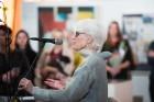 Liepājas koncertzālē «Lielais dzintars» atklāta latviešu gleznotājas Džemmas Skulmes personālizstāde «Krāsas garša» 21