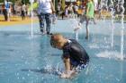 Ar ziepju burbuļu salūtu Rīgā atklāj Centra sporta kvartāla rotaļu laukumu 2