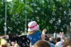 Ar ziepju burbuļu salūtu Rīgā atklāj Centra sporta kvartāla rotaļu laukumu 17