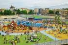 Ar ziepju burbuļu salūtu Rīgā atklāj Centra sporta kvartāla rotaļu laukumu 30