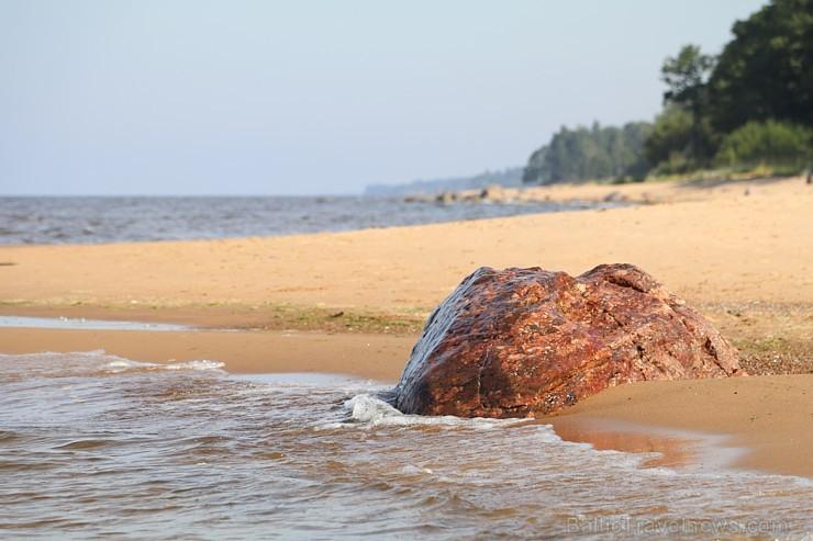 Travelnews.lv izbauda Lauču akmens apkārtnes burvestību un Vidzemes jūrmalu