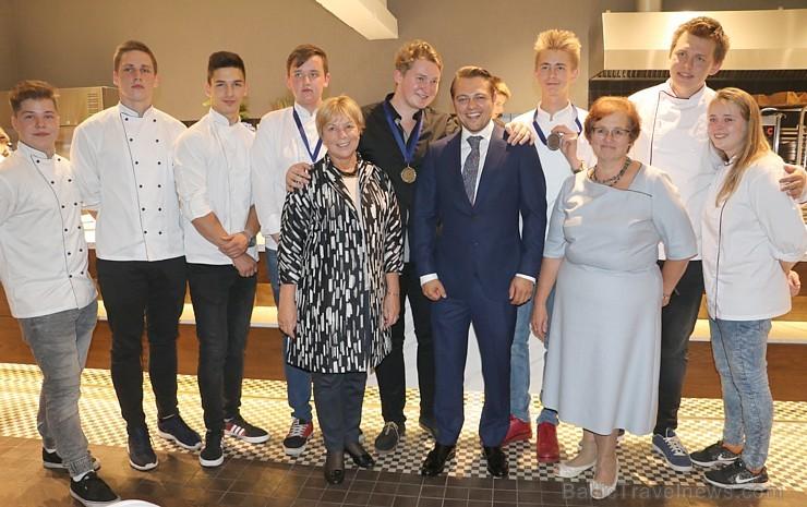 «Riga Food 2017» ietvaros «Pavāru klubs» noskaidro 2017.gada labāko pavāru un pavārzelli