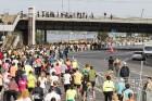 Rīgas centrā notiekošajā rudens skrējienā «We Run Riga» dalību ņem vairāk nekā 9000 skrējēju 17