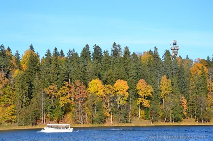 Alūksnē jau var izbaudīt Zelta rudeni. Foto: Elīna Dambe.