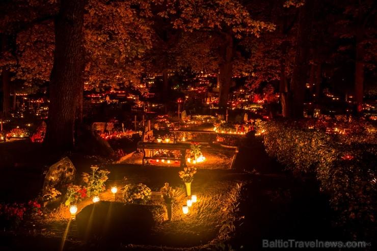 Alūksnē jau var izbaudīt Zelta rudeni. Foto: Juris Metums.