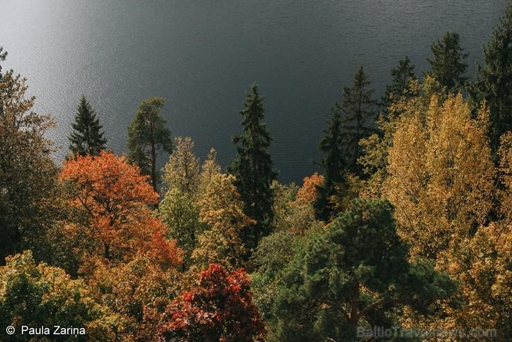 Alūksnē jau var izbaudīt Zelta rudeni. Foto: Paula Zariņa.