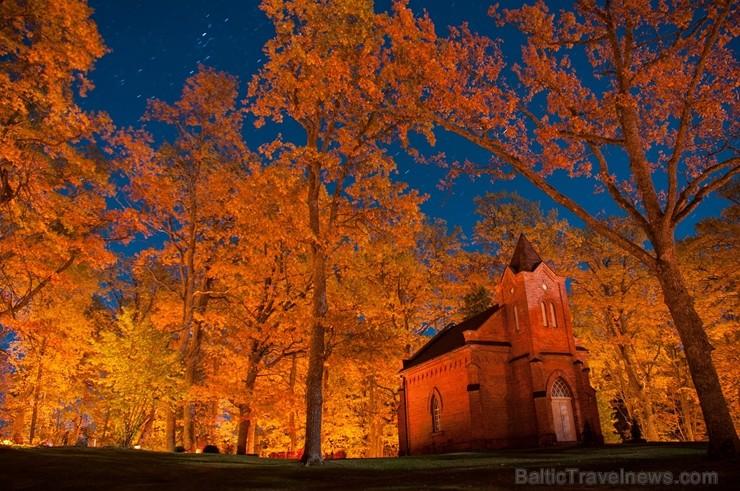 Alūksnē jau var izbaudīt Zelta rudeni. Foto: Roberts Ozoliņš.