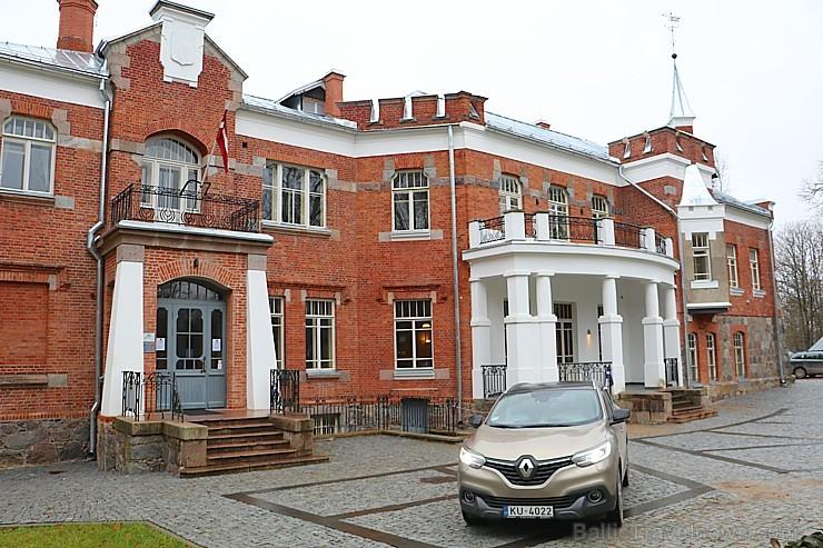 Travelnews.lv dodas uz Lūznavas muižu Latgalē ar jauno krosoveru Renault Kadjar dCi 130 4x4