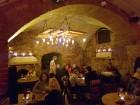 Travelnews brīvdienās apmeklē Vecrīgas latviskāko pagrabu -«Folkklubu Ala» un pieveic «Brīvdienu divsprīžu karbonādi» 7