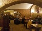 Travelnews brīvdienās apmeklē Vecrīgas latviskāko pagrabu -«Folkklubu Ala» un pieveic «Brīvdienu divsprīžu karbonādi» 9