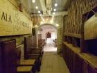 Travelnews brīvdienās apmeklē Vecrīgas latviskāko pagrabu -«Folkklubu Ala» un pieveic «Brīvdienu divsprīžu karbonādi» 18