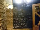 Travelnews brīvdienās apmeklē Vecrīgas latviskāko pagrabu -«Folkklubu Ala» un pieveic «Brīvdienu divsprīžu karbonādi» 4