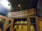 Travelnews brīvdienās apmeklē Vecrīgas latviskāko pagrabu -«Folkklubu Ala» un pieveic «Brīvdienu divsprīžu karbonādi» 5