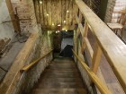 Travelnews brīvdienās apmeklē Vecrīgas latviskāko pagrabu -«Folkklubu Ala» un pieveic «Brīvdienu divsprīžu karbonādi» 2