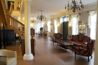 Travelnews.lv pārnakšņo omulīgajā Skrundas muižā, Ventas krastā 33