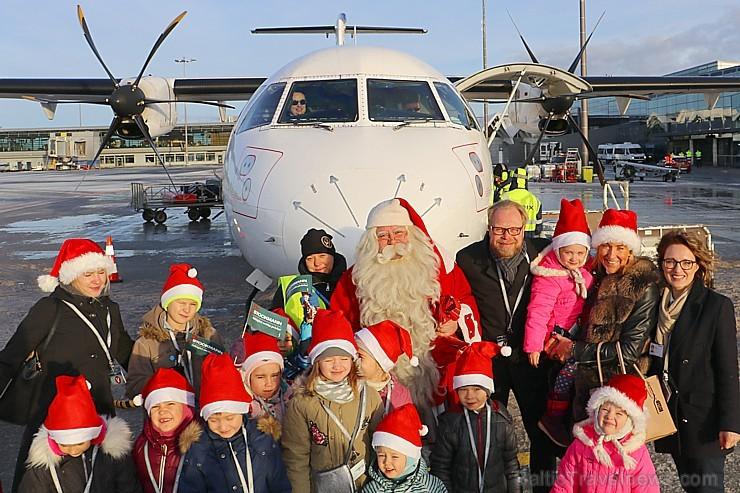 Ar somu lidsabiedsabiedrības «Finnair» lidmašīnu 5.12.2017 Rīgā ielido Ziemassvētku vecītis no Lapzemes