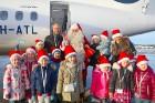Ar somu lidsabiedsabiedrības «Finnair» lidmašīnu 5.12.2017 Rīgā ielido Ziemassvētku vecītis no Lapzemes 7