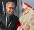 Ar somu lidsabiedsabiedrības «Finnair» lidmašīnu 5.12.2017 Rīgā ielido Ziemassvētku vecītis no Lapzemes 8
