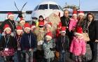 Ar somu lidsabiedsabiedrības «Finnair» lidmašīnu 5.12.2017 Rīgā ielido Ziemassvētku vecītis no Lapzemes 20