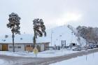 Ventspils «Lemberga hūtē» bauda sniegu, bet gaida salu, lai tas varētu noturēties 25