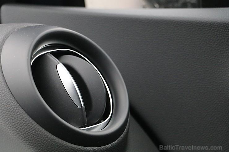 Travelnews.lv apceļo Latvijas galvaspilsētu ar Renault Captur