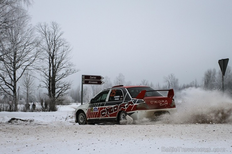 Aizraujošās, sniegotās cīņās aizvada «Rallijs Sarma 2018»