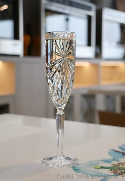 Travelnews.lv apmeklē restorānu - vīna bāru «Easy Wine» starptautiskajā lidostā «Rīga»
