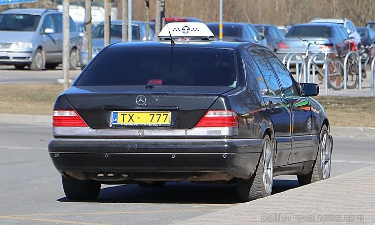 Viena stunda Jelgavā un ir atrasts Latvijas zīmīgākais taksis