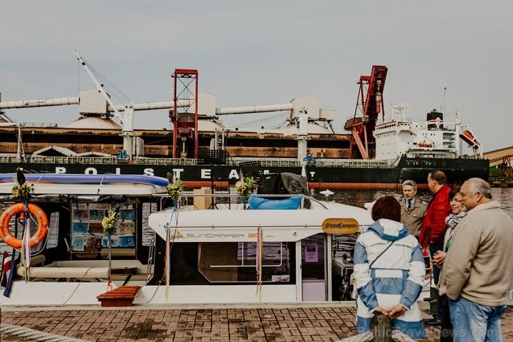 Ventspilī aktīvo sezonu atklāj atpūtas kuģītis «Hippo Campus»