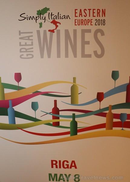 Vīna pazinēji 8.05.2018 iepazīst «Simply Italian Great Wines» prezentētos vīnus no Itālijas, ko organizē «B2B Baltic Travel» un «International Event &