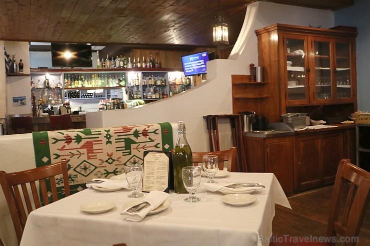 Travelnews.lv iepazīst grieķu restorānu «Santorini» Čikāgā. Atbalsta: Finnair