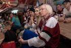 Kaislīgākos hokeja fanus, kā ik gadu, pulcē Hokeja fanu māja pie «Islande Hotel» 2