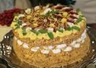 Recepšu grāmata «100 kūkas un 1 svecīte» noderēs katrai svētku galda saimniecei 31