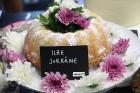 Recepšu grāmata «100 kūkas un 1 svecīte» noderēs katrai svētku galda saimniecei 42
