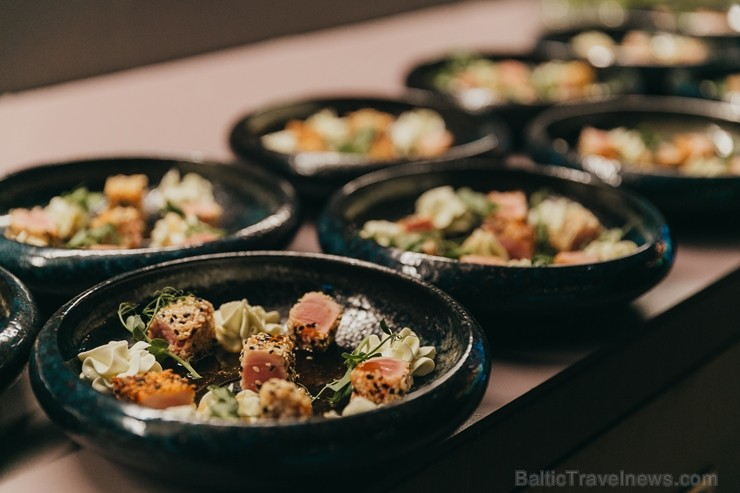 Jūrmalā 31.05.2108. ir atklāts ar vērienu jauns restorāns «Simmer»