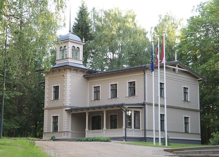 Travelnews.lv pieķer foto mirkļus Latvijas karoga dzimtenē - Cēsīs