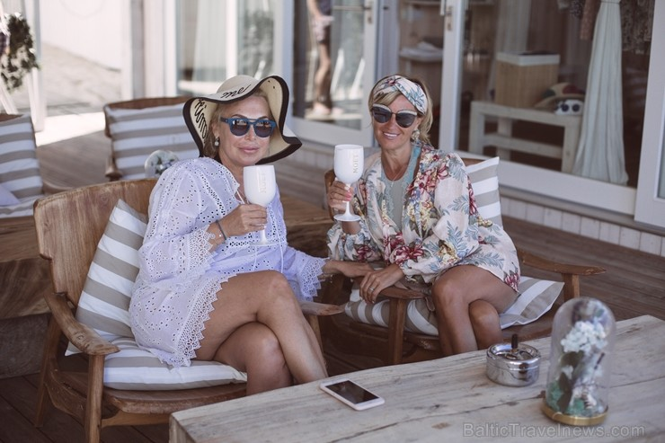 Jūrmalas pludmales restorānā «Legend.Beach» skaisti tiek aizvadīta «Moët & Chandon Grand Day» ballīte