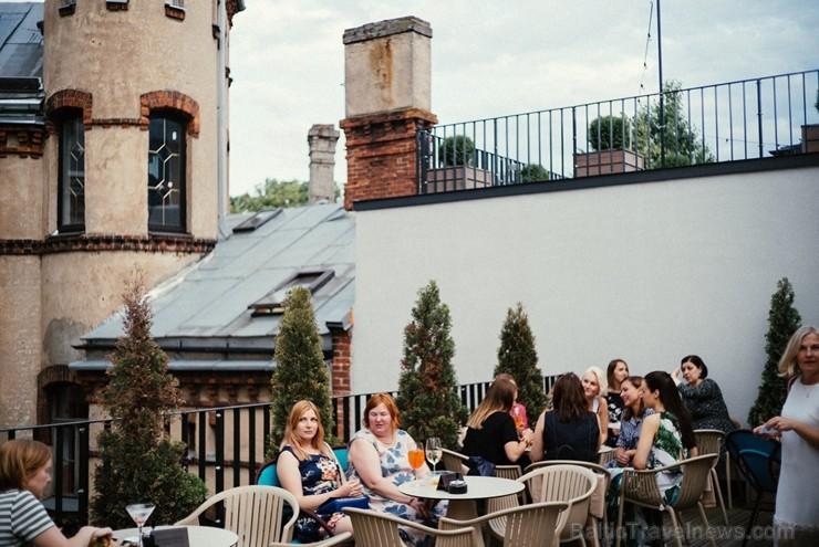 «Pullman Riga Old Town» viesnīcā ar ballīti atklāta skaistā jumta terase