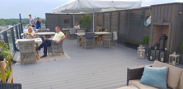 Pārdaugavas viesnīca «Bellevue Park Hotel Riga» atklāj restorāna «Le Sommet» jumta terasi ar burvīgu Rīgas skatu. Foto: Samsung Galaxy Note8