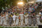 Cēsīs ar kauju rekonstrukciju un dejām, svin Latvijas Uzvaras dienu 65