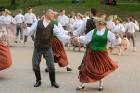 Cēsīs ar kauju rekonstrukciju un dejām, svin Latvijas Uzvaras dienu 69