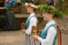 Cēsīs ar kauju rekonstrukciju un dejām, svin Latvijas Uzvaras dienu 75