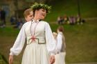 Cēsīs ar kauju rekonstrukciju un dejām, svin Latvijas Uzvaras dienu 77